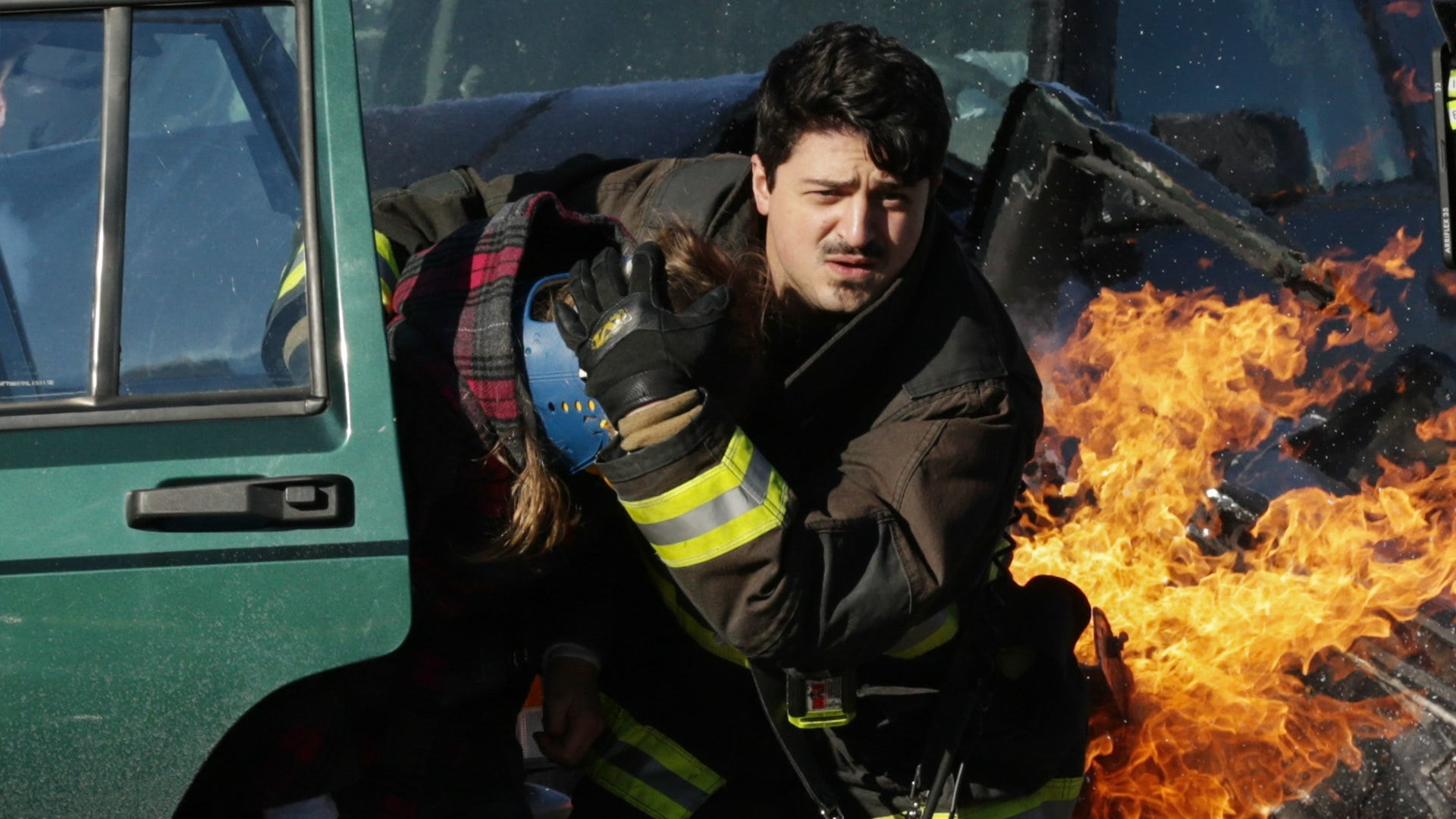 Chicago Fire Season 2 :Episode 14  Unter die Haut