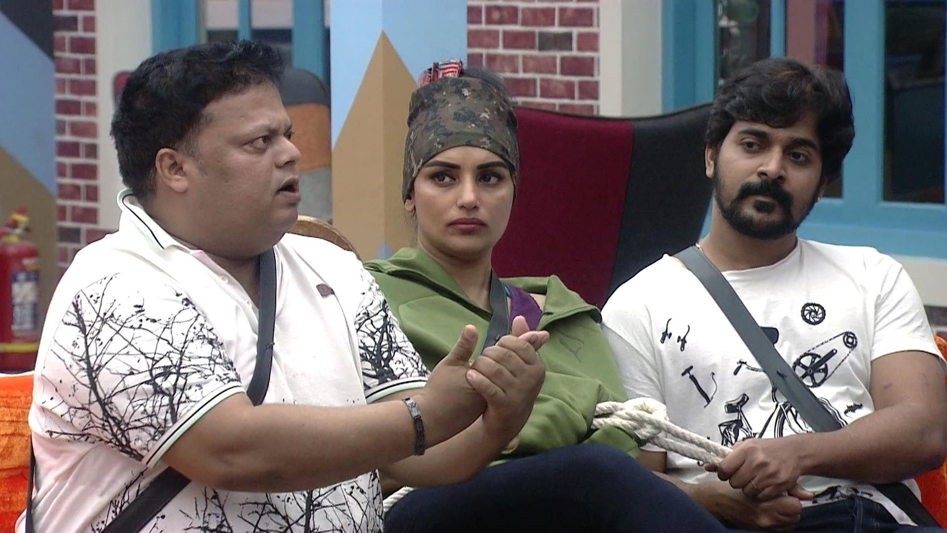 Bigg Boss Season 1 :Episode 12  Day 11: Anything to Become the Captain!
