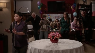 Modern Family Season 4 :Episode 12  Party Crasher