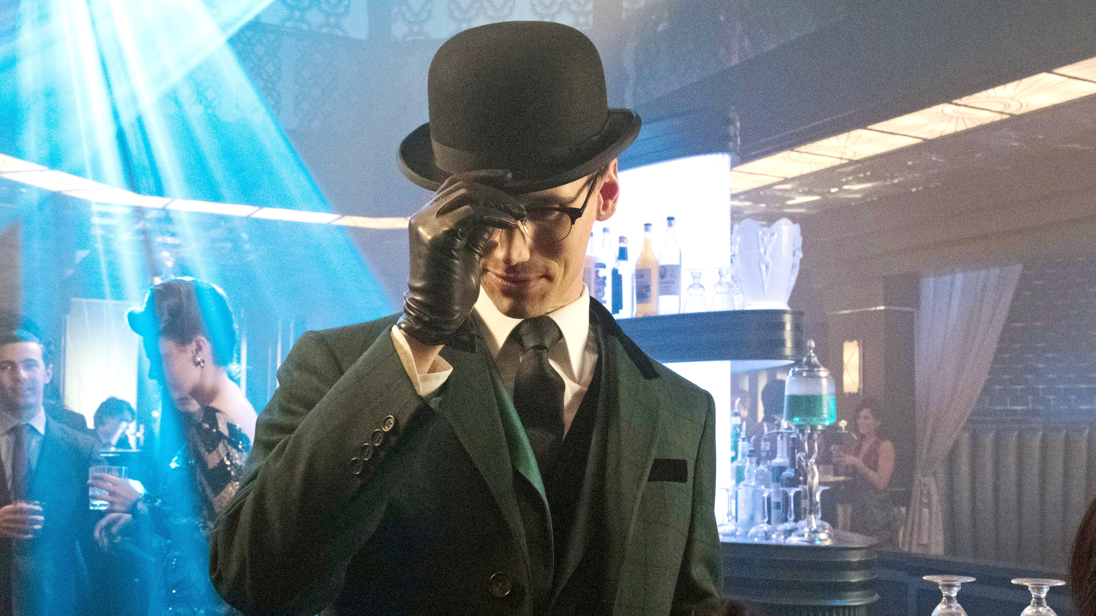 Gotham Season 3 :Episode 17  Heroes Rise: The Primal Riddle