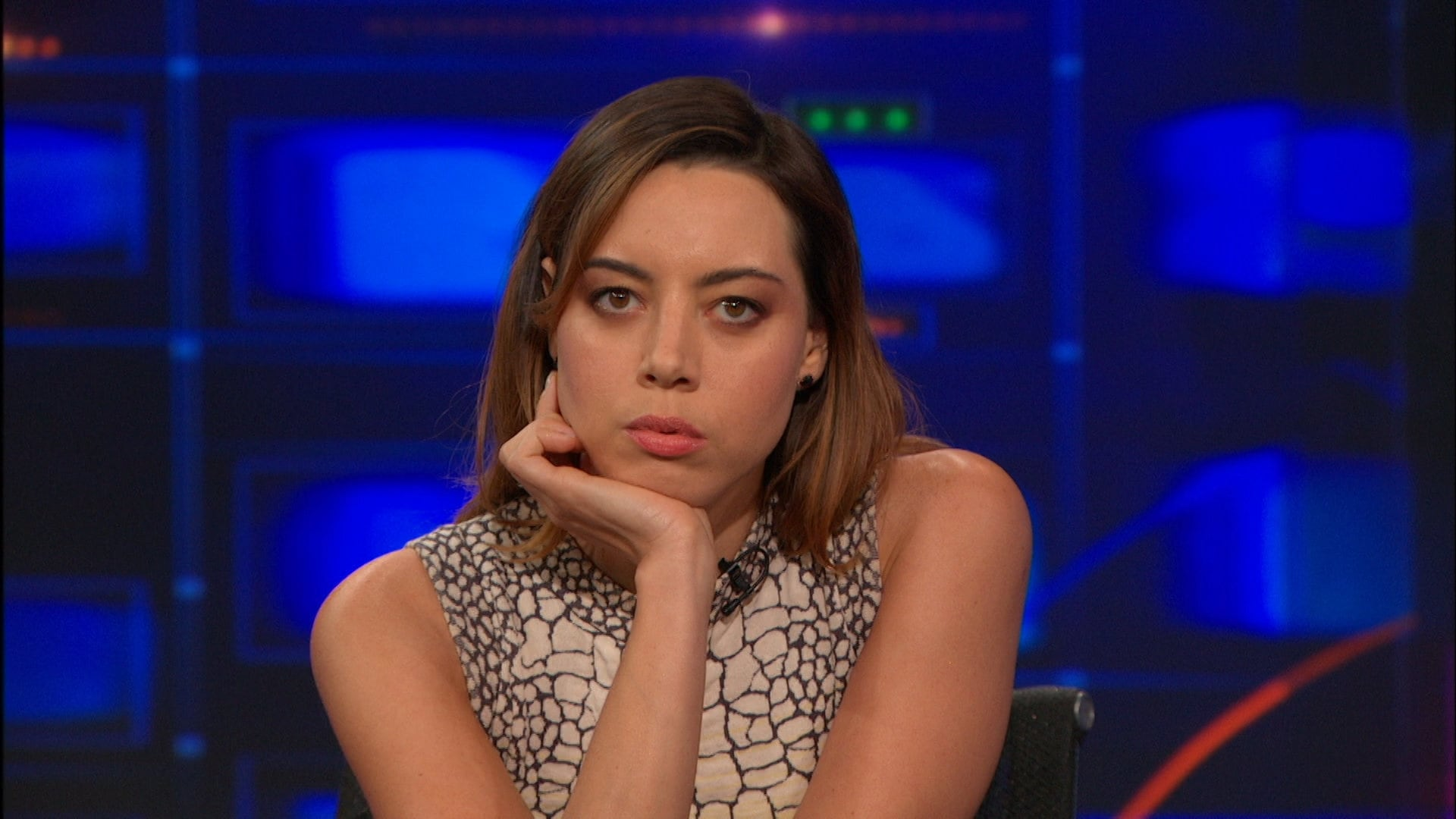 The Daily Show with Trevor Noah Season 19 :Episode 138  Aubrey Plaza