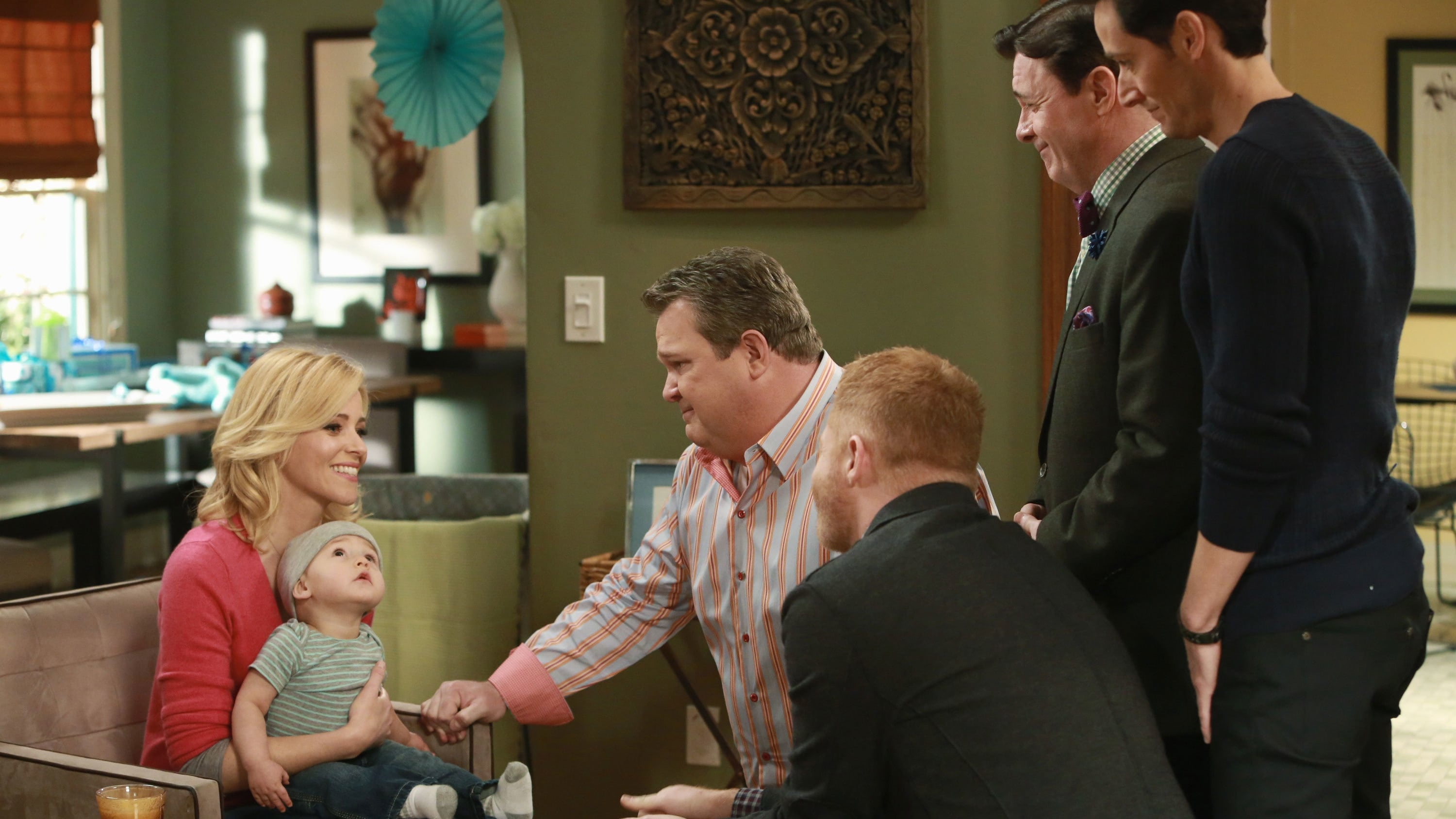 Modern Family Season 6 :Episode 15  Fight or Flight