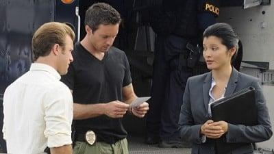 Hawaii Five-0 - Season 1 Episode 7 : Accept