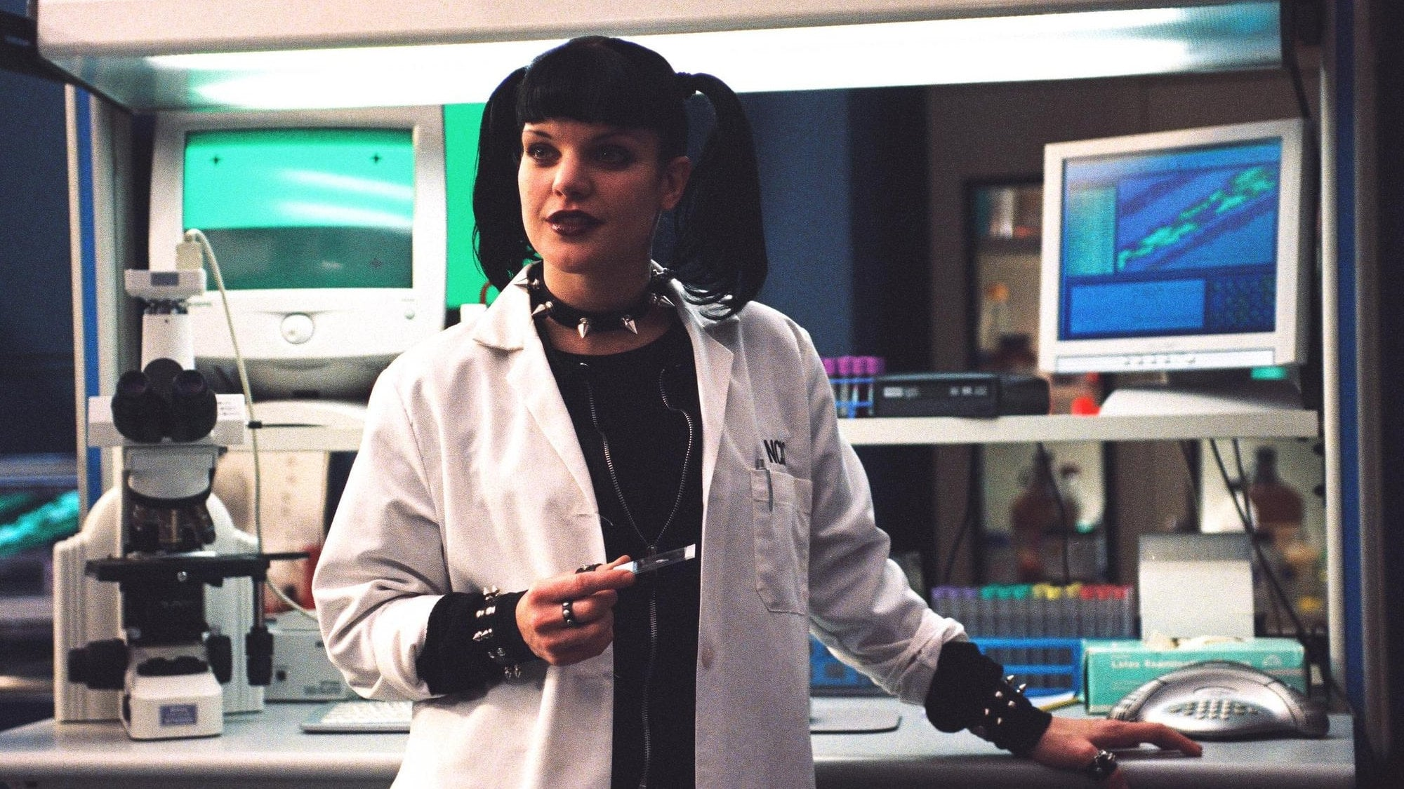 NCIS Season 1 :Episode 17  The Truth Is Out There
