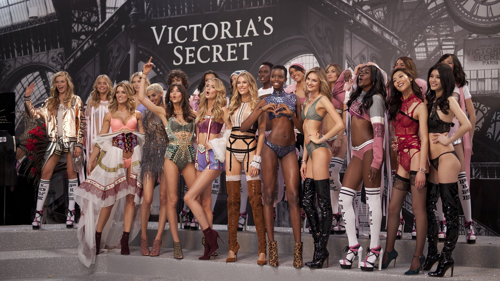Victoria 39 S Secret Fashion Show 2016 2016