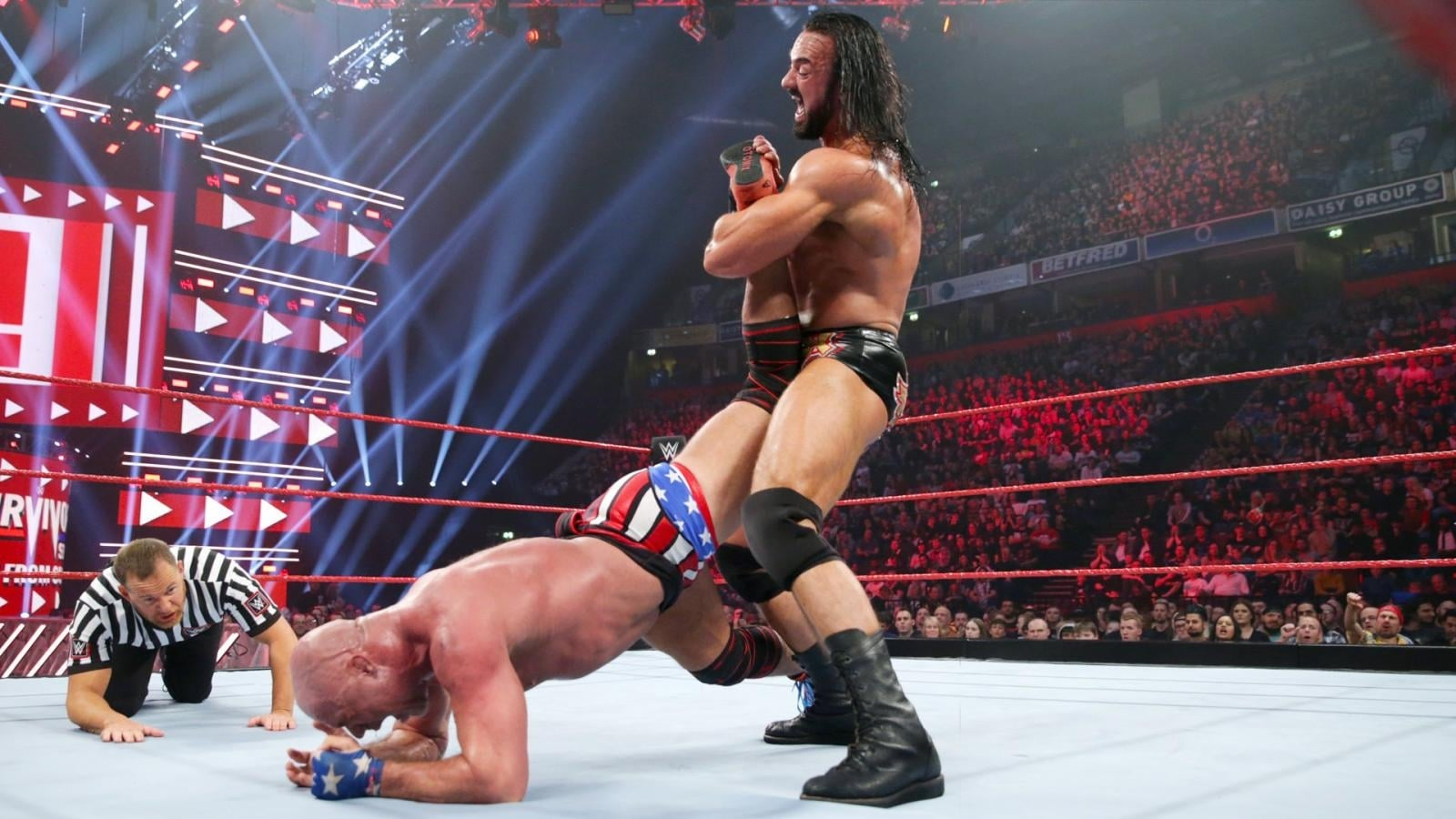 WWE Raw Season 26 :Episode 45  November 5, 2018 (Manchester, England)