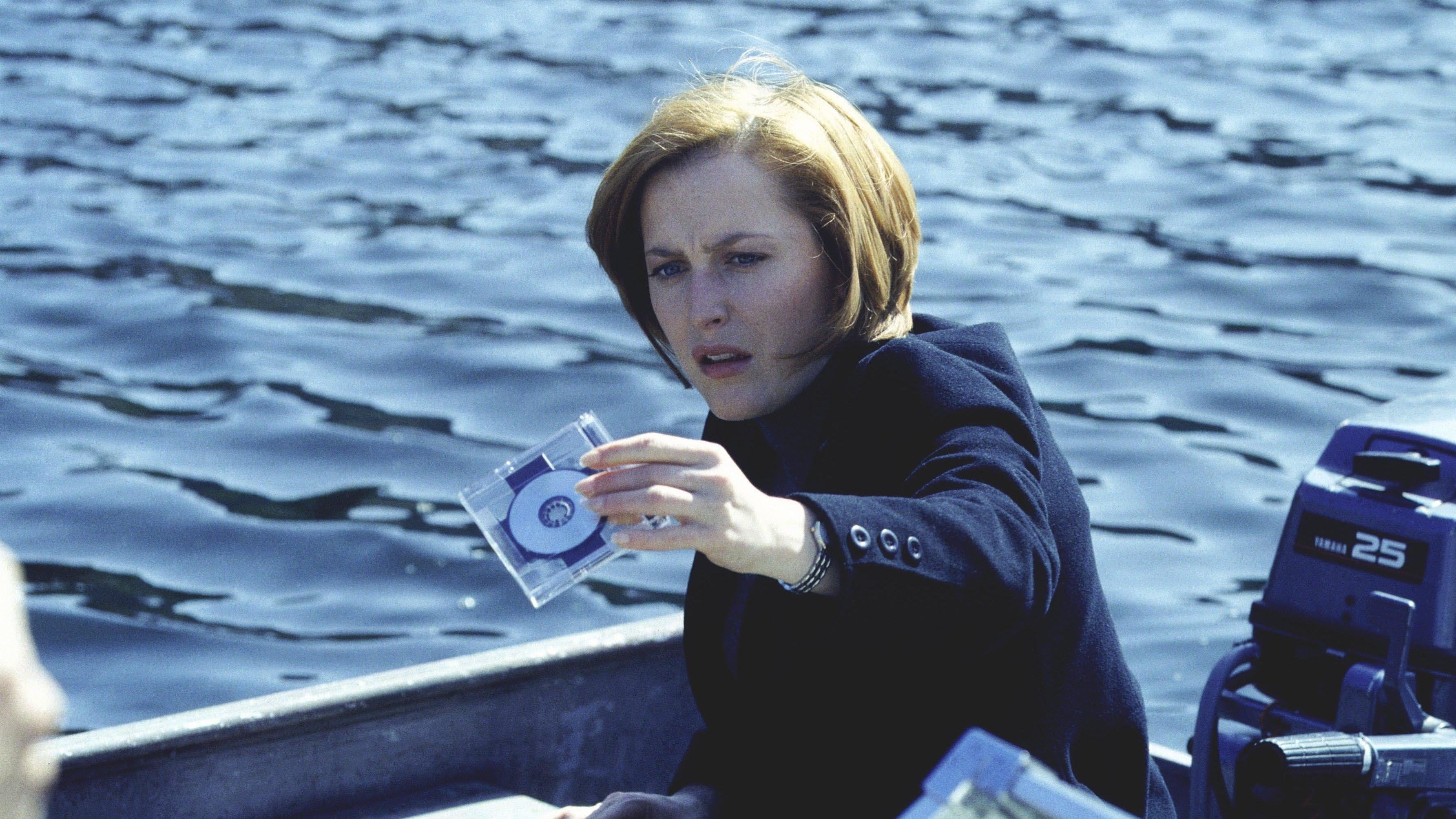 The X-Files Season 7 :Episode 15  En Ami