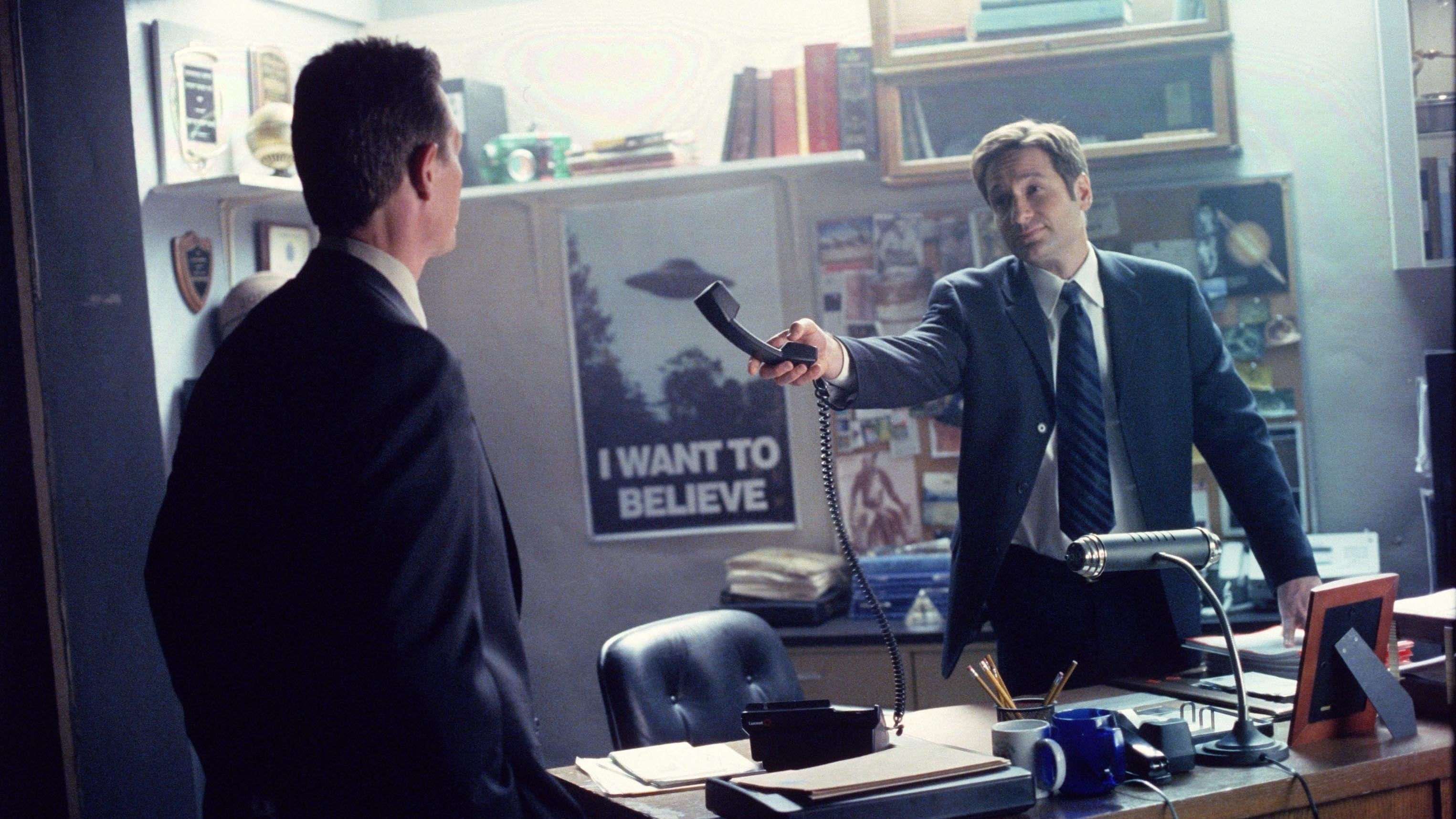 The X-Files Season 8 :Episode 18  Vienen