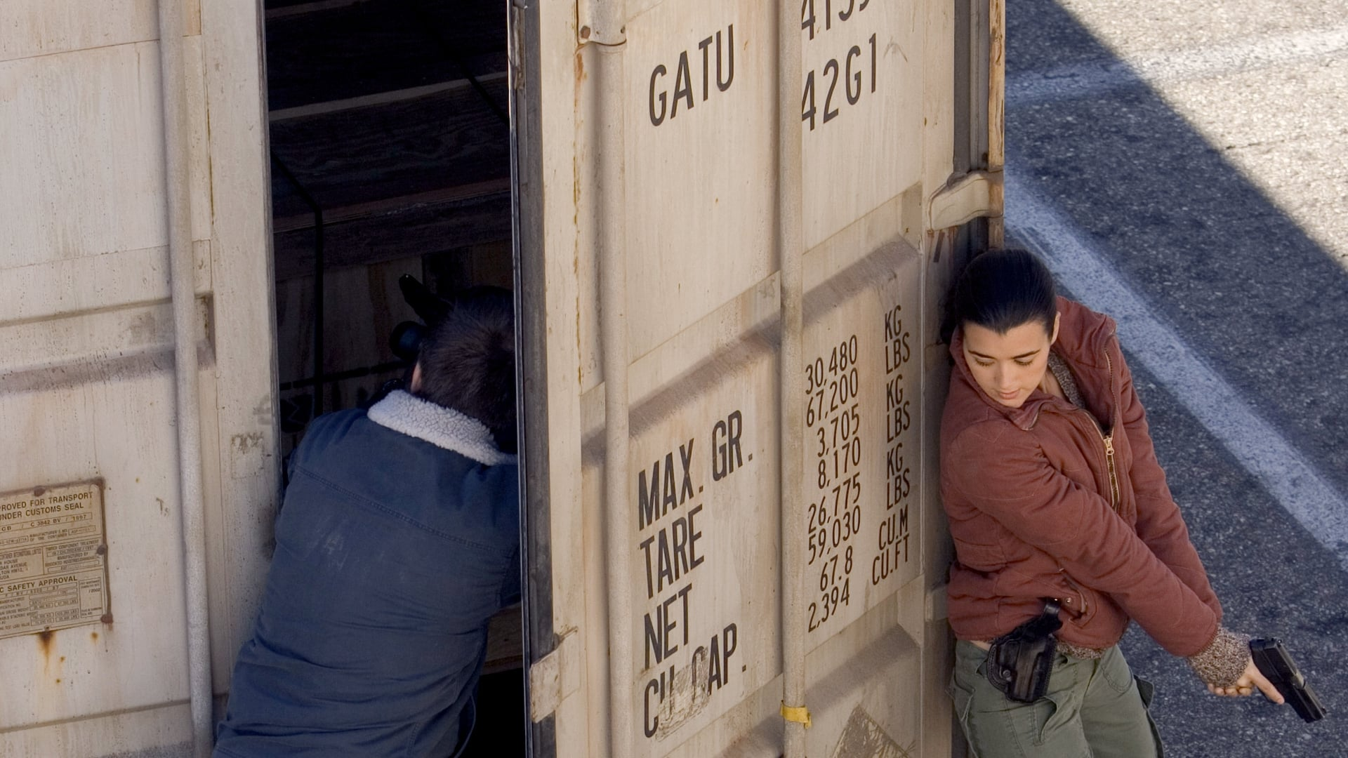 NCIS Season 3 :Episode 12  Boxed In