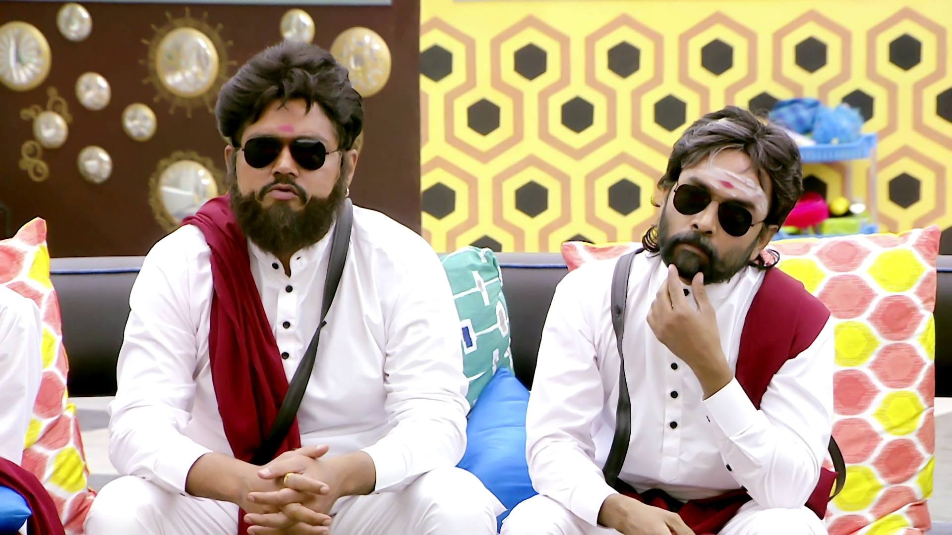 Bigg Boss Season 1 :Episode 18  Day 17: Contestants Become 'Superstars'