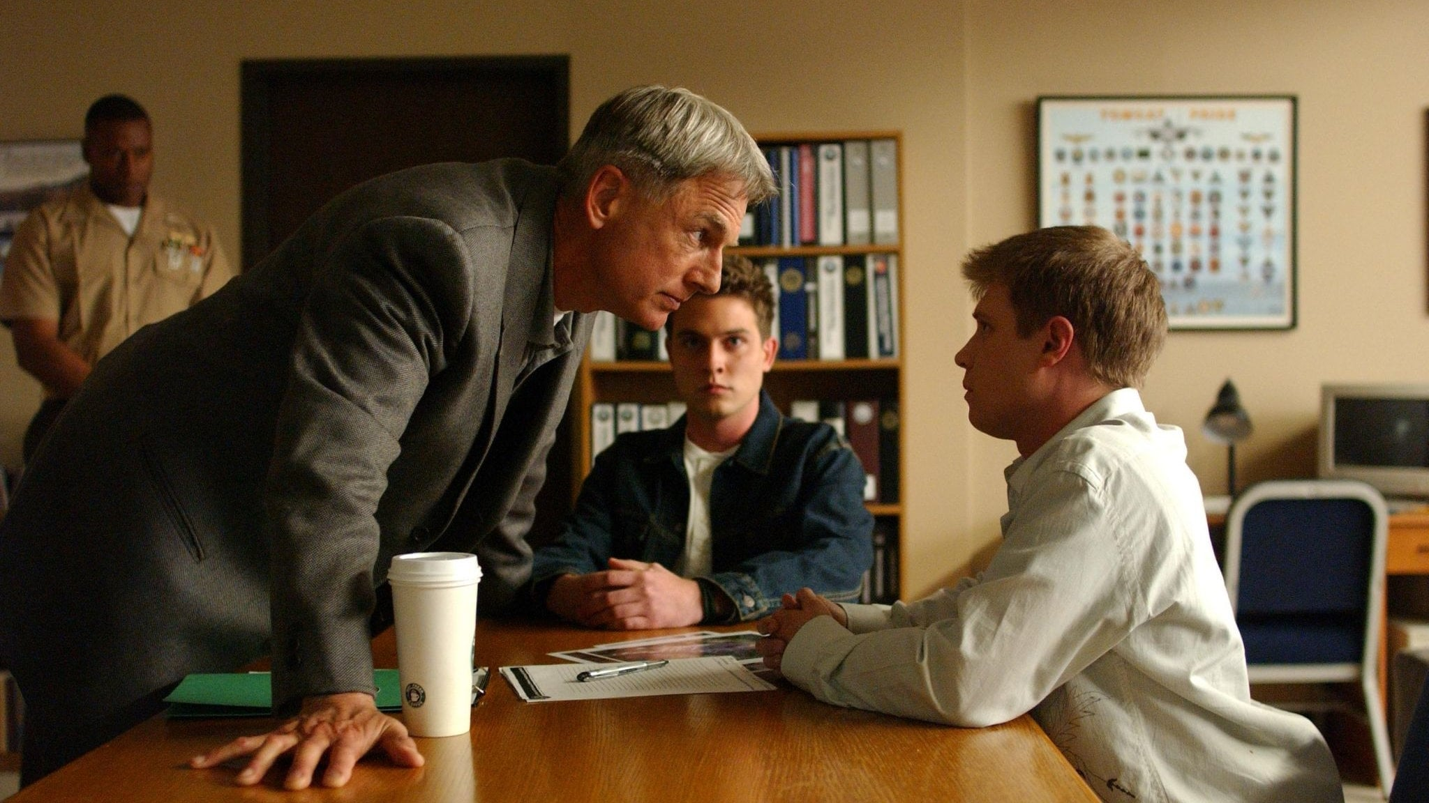 NCIS Season 2 :Episode 20  Red Cell