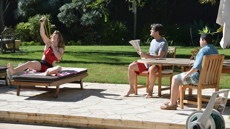 Modern Family Season 6 :Episode 17  Closet? You'll Love It!