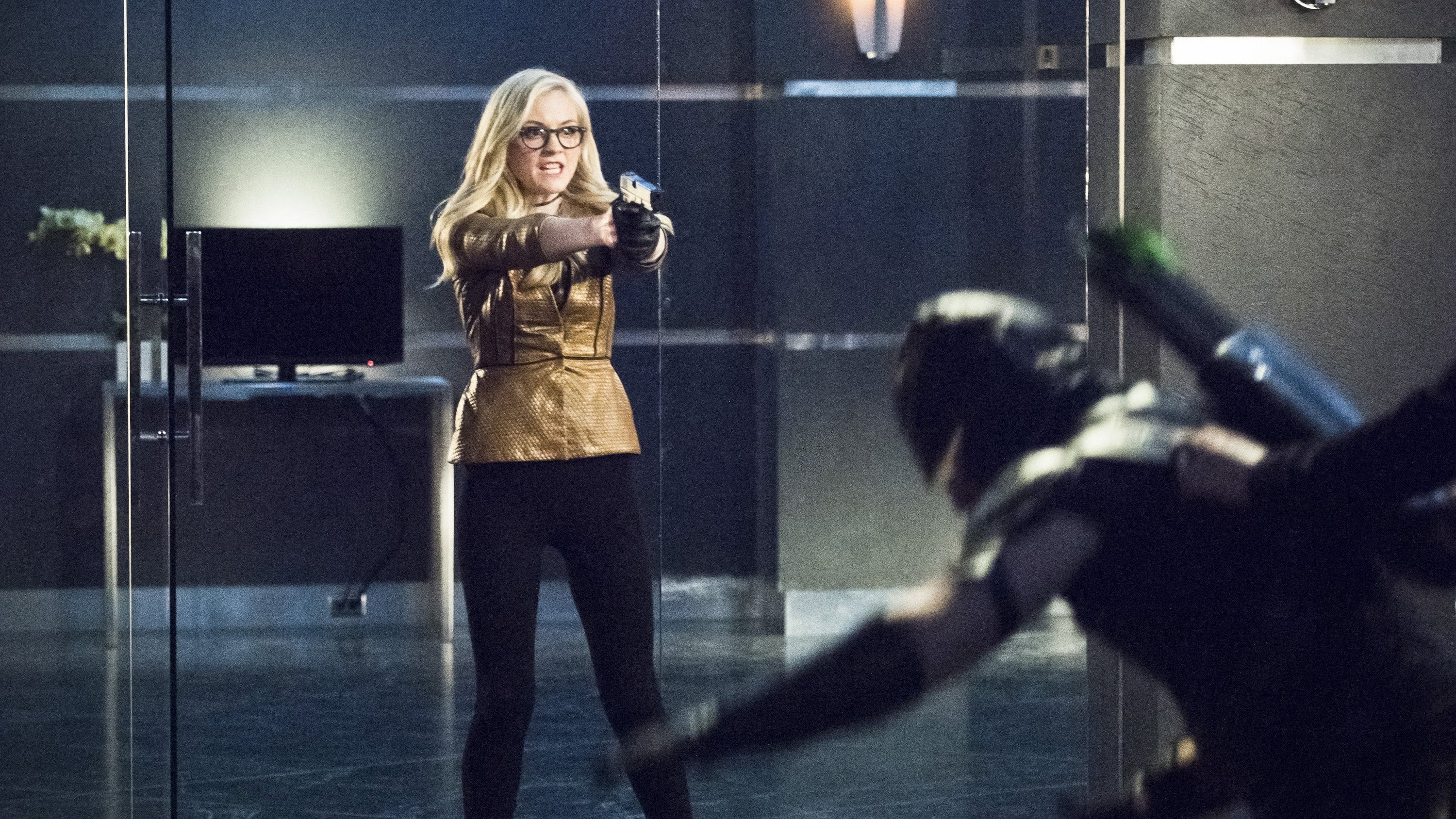 Arrow Season 4 :Episode 17  Beacon of Hope