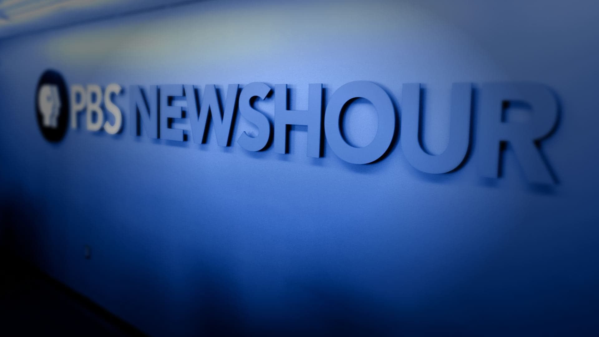 PBS NewsHour - Season 42 Episode 105