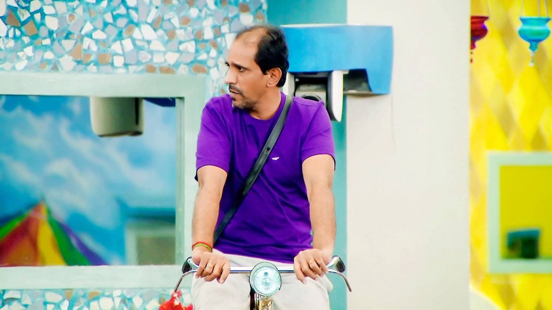 Bigg Boss Season 1 :Episode 31  Day 30: Cycling Task Irks Vaiyapuri