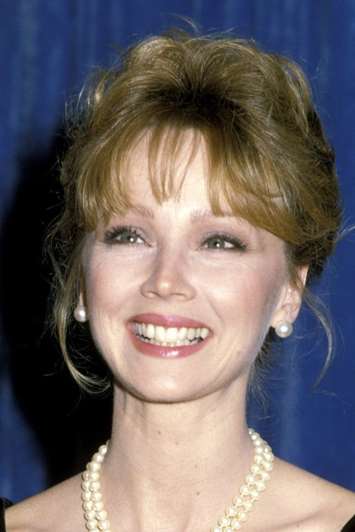 Shelley Long Nude Photos 34