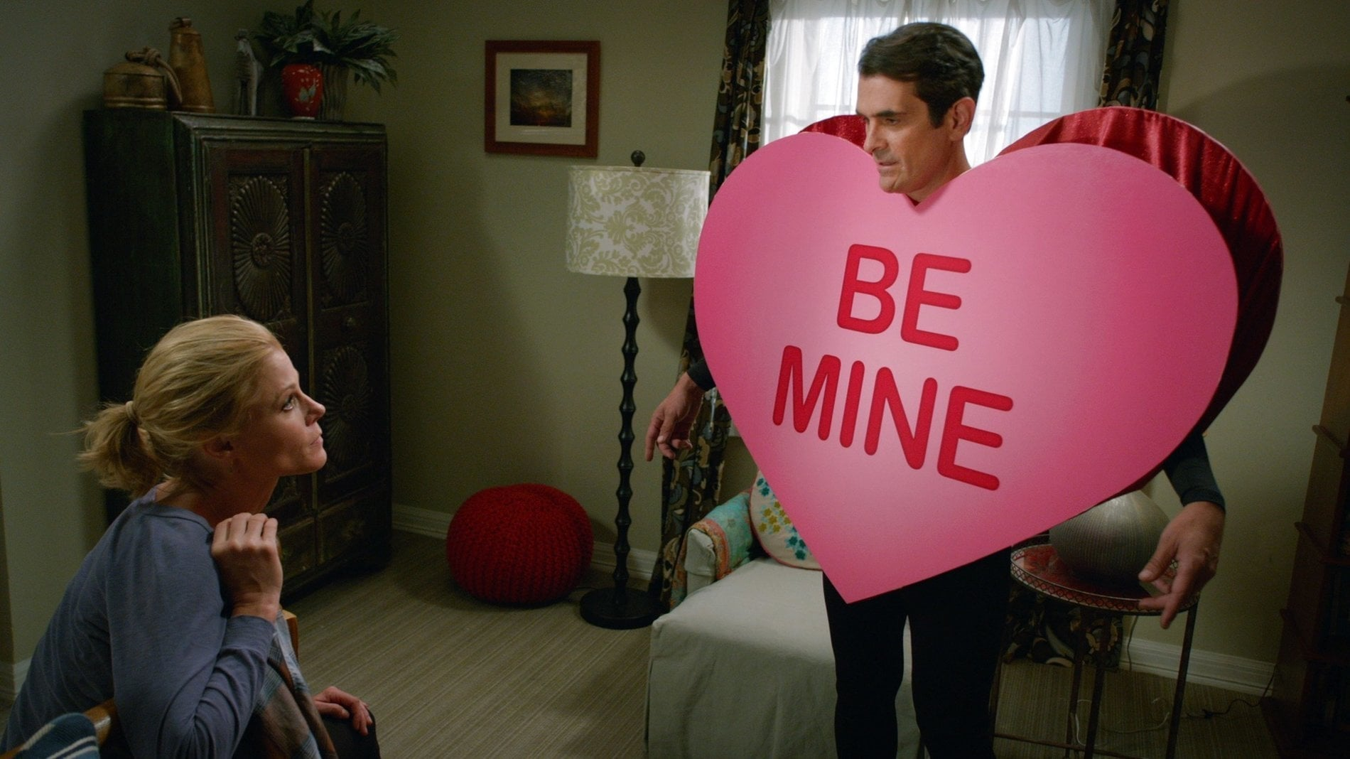 Modern Family Season 6 :Episode 1  The Long Honeymoon