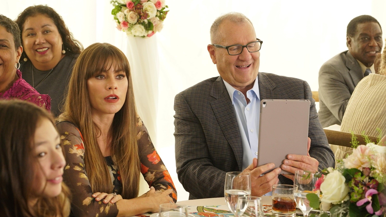 Modern Family Season 9 :Episode 6  Ten Years Later