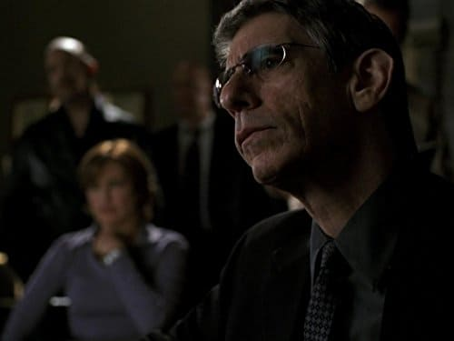Law & Order: Special Victims Unit - Season 5 Episode 25 : Head