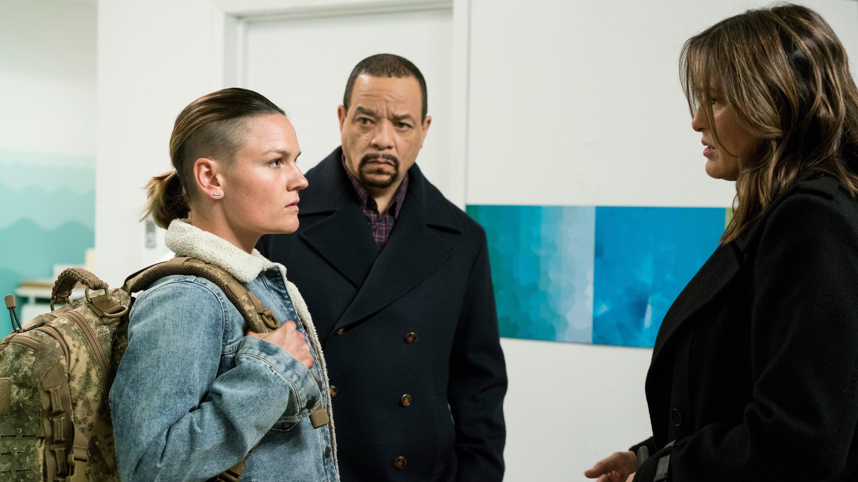 Law & Order: Special Victims Unit Season 18 :Episode 12  No Surrender