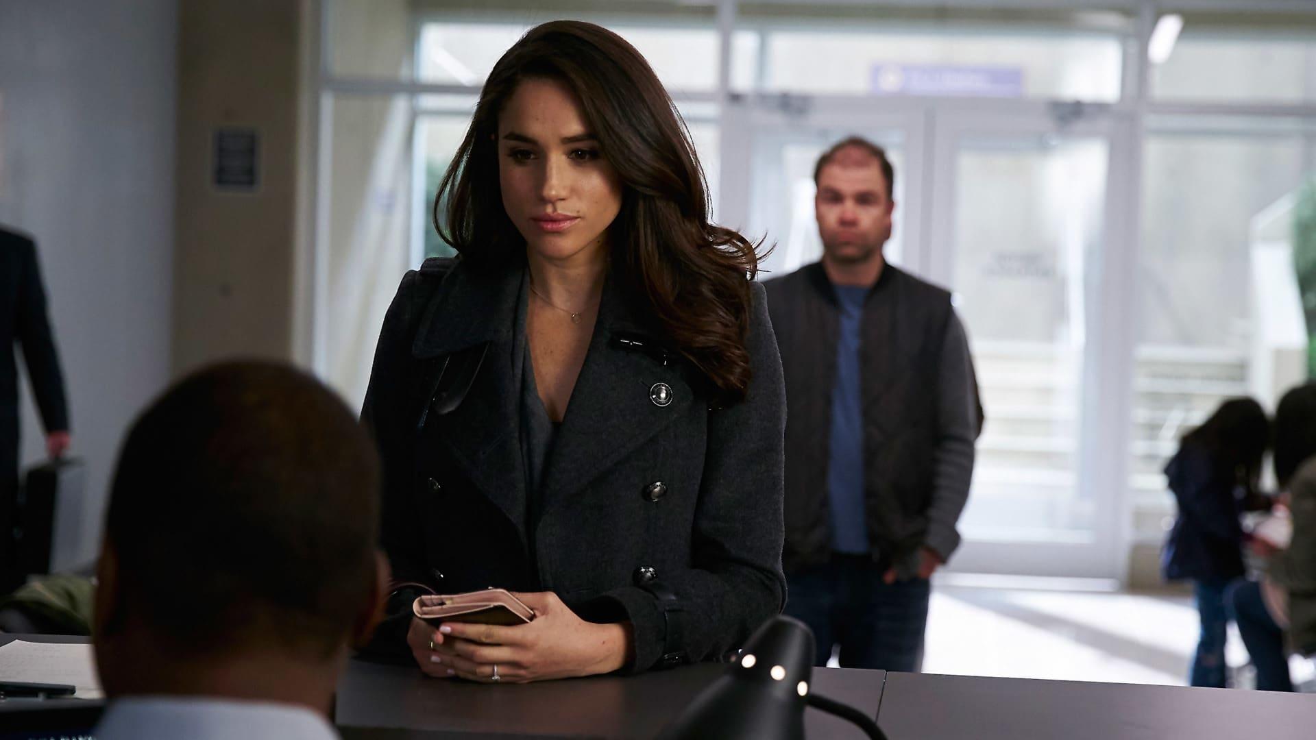 Suits - Season 6 Episode 2 : Accounts Payable