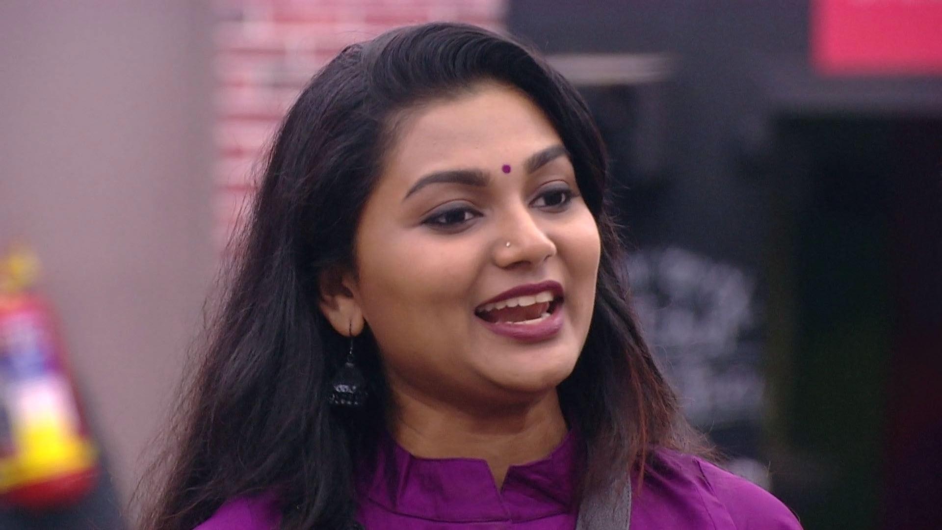 Bigg Boss - Season 1 Episode 22 : Day 21: Sreelakshmi, a Tattletale?