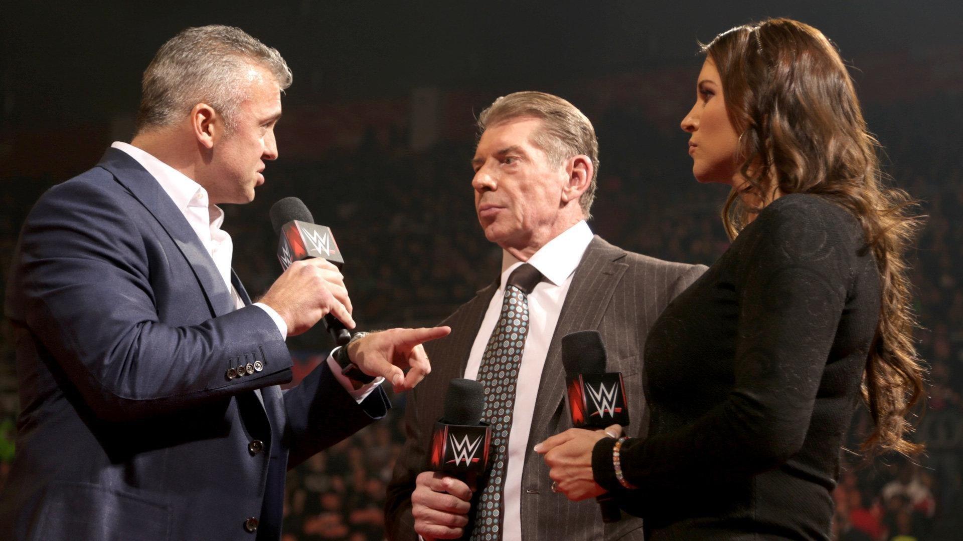WWE Raw Season 24 :Episode 8  February 22, 2016 (Detroit, MI)