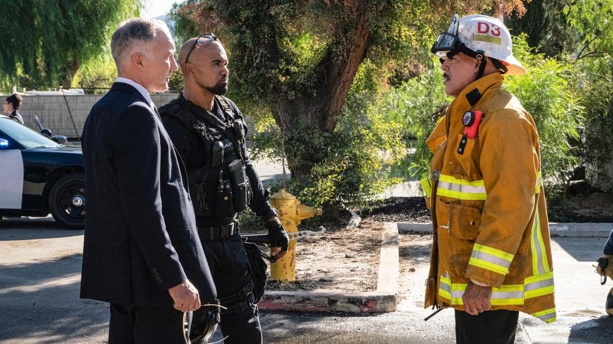 S.W.A.T. - Season 4 Episode 7 : Under Fire