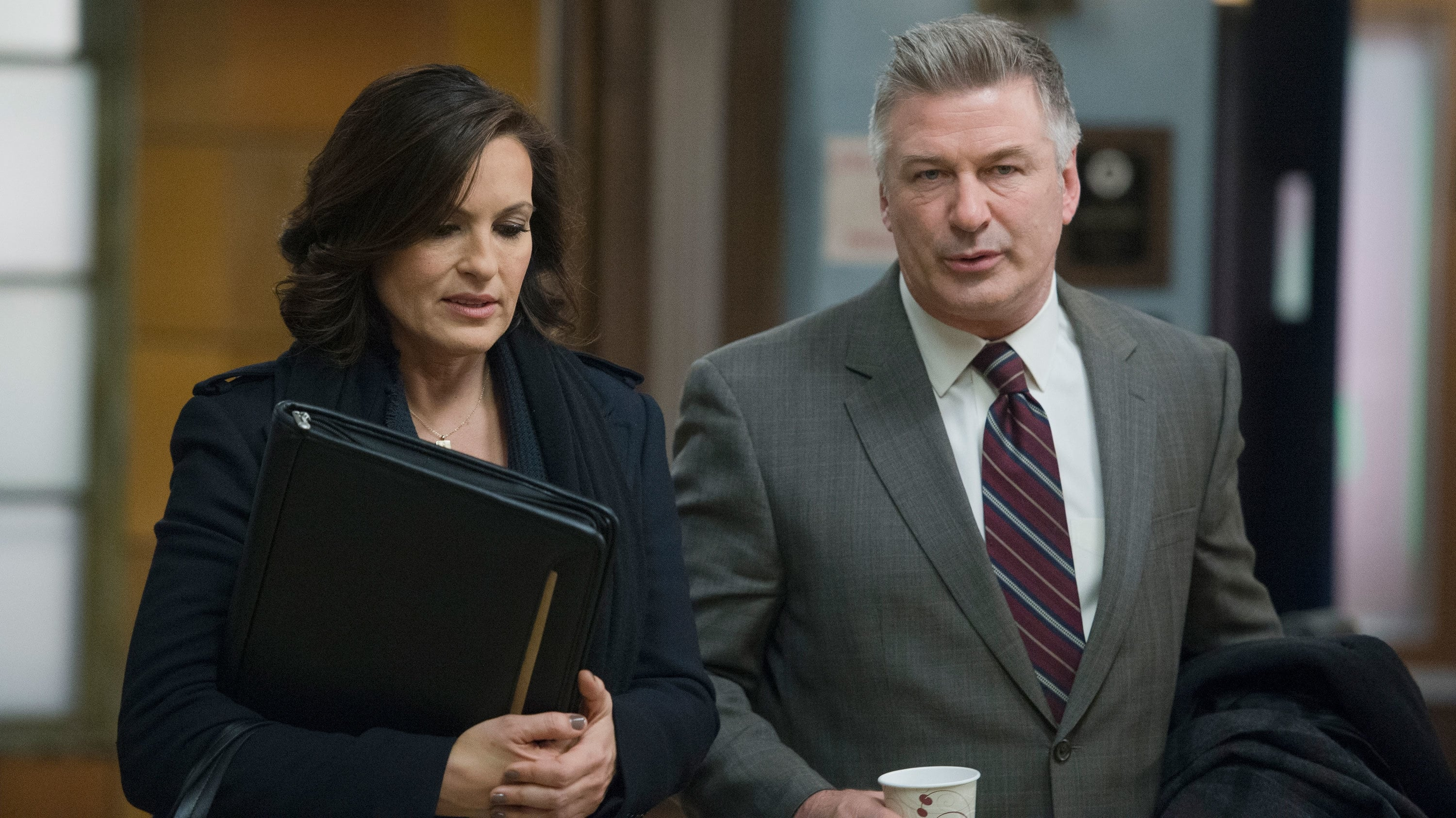 Law & Order: Special Victims Unit - Season 15 Episode 18 : Criminal Stories