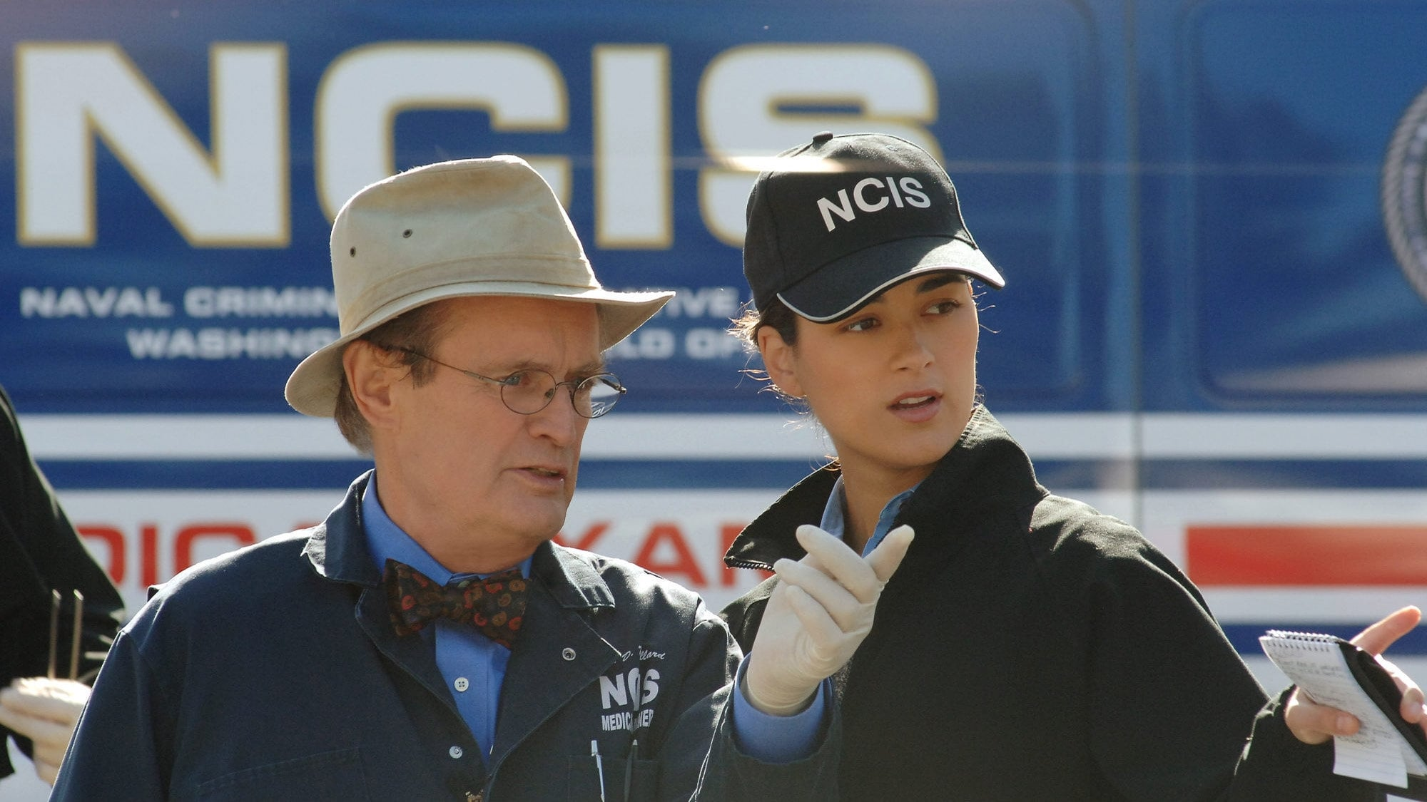 NCIS Season 3 :Episode 16  Family Secret