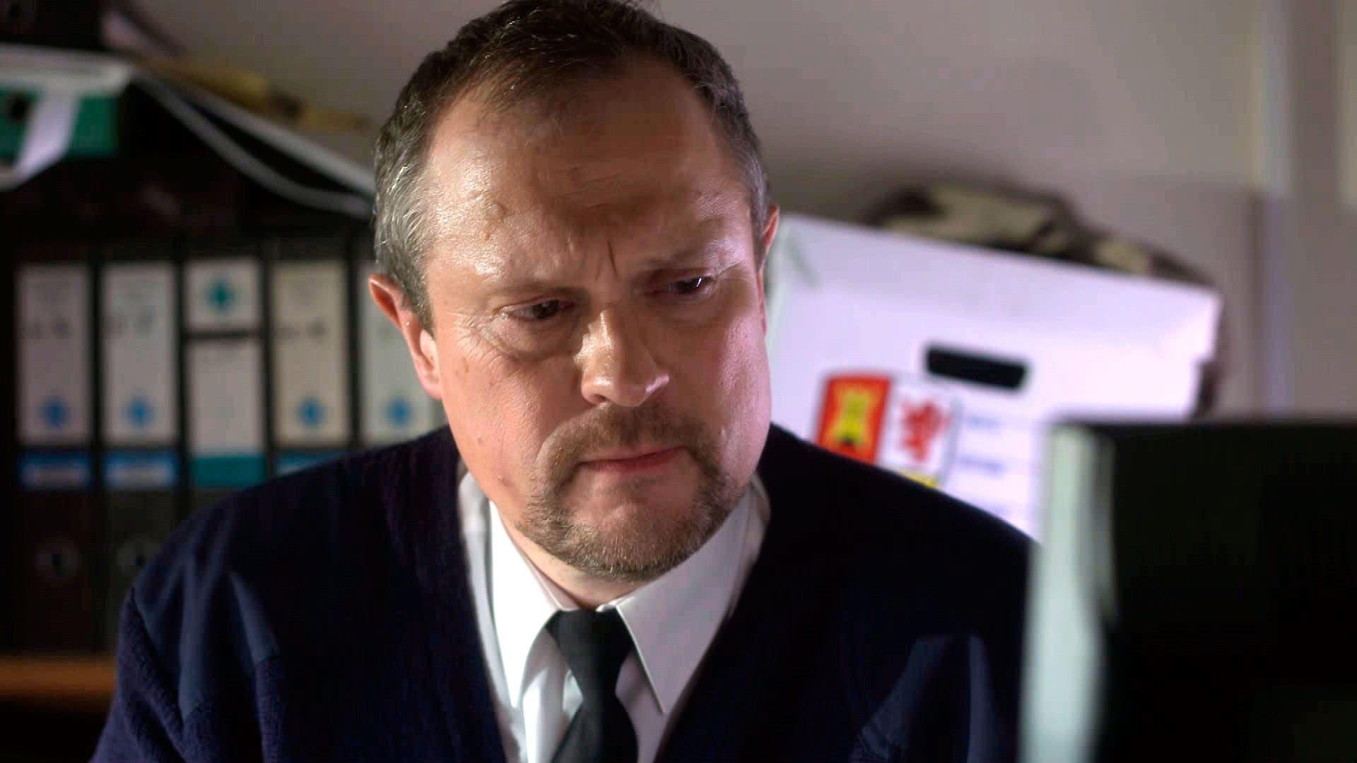 Doctors Season 16 :Episode 218  Surrogate Dad