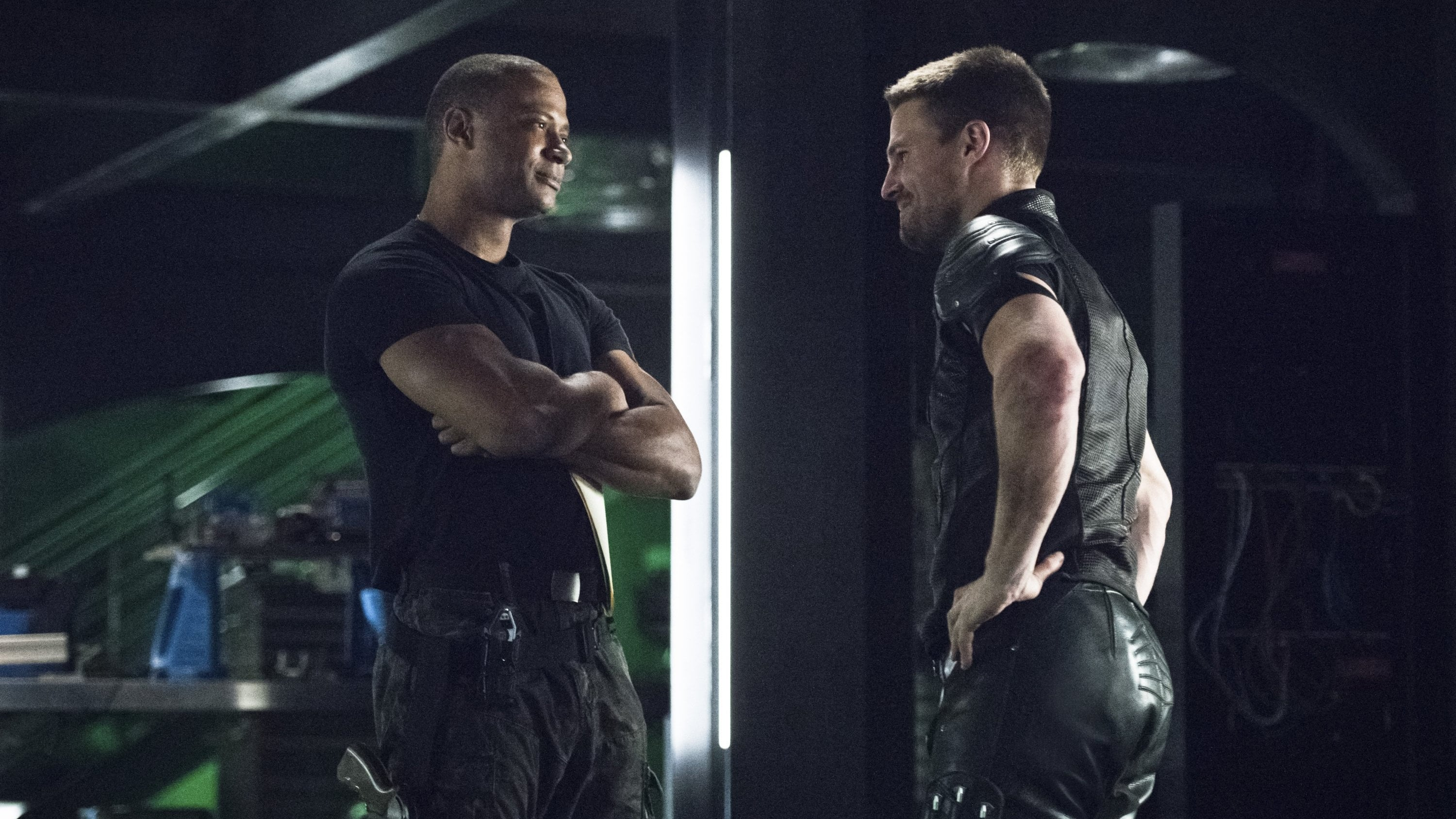 Arrow Season 4 :Episode 7  Unter Brüdern