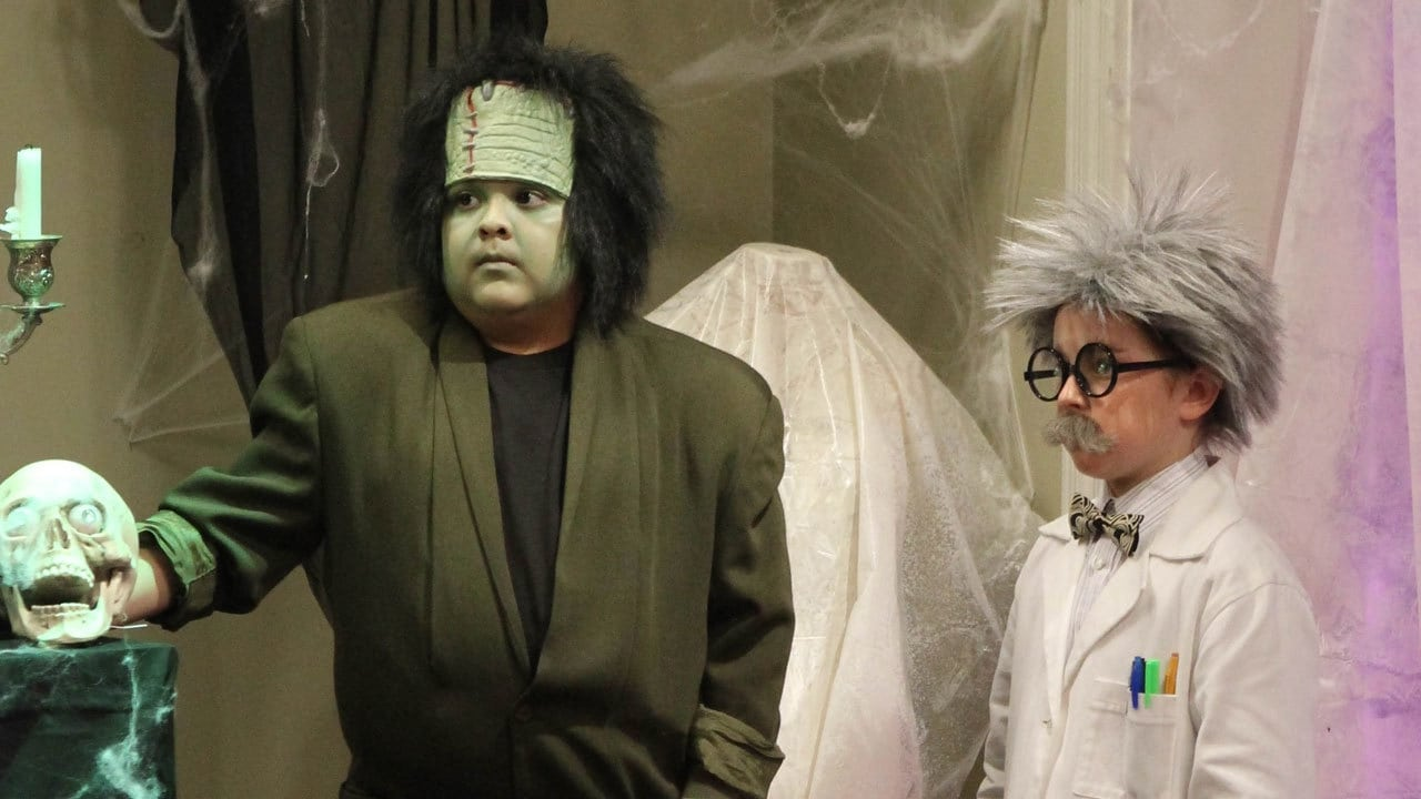 Modern Family Season 2 :Episode 6  Halloween