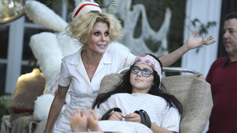 Modern Family Season 6 :Episode 6  Halloween 3: AwesomeLand