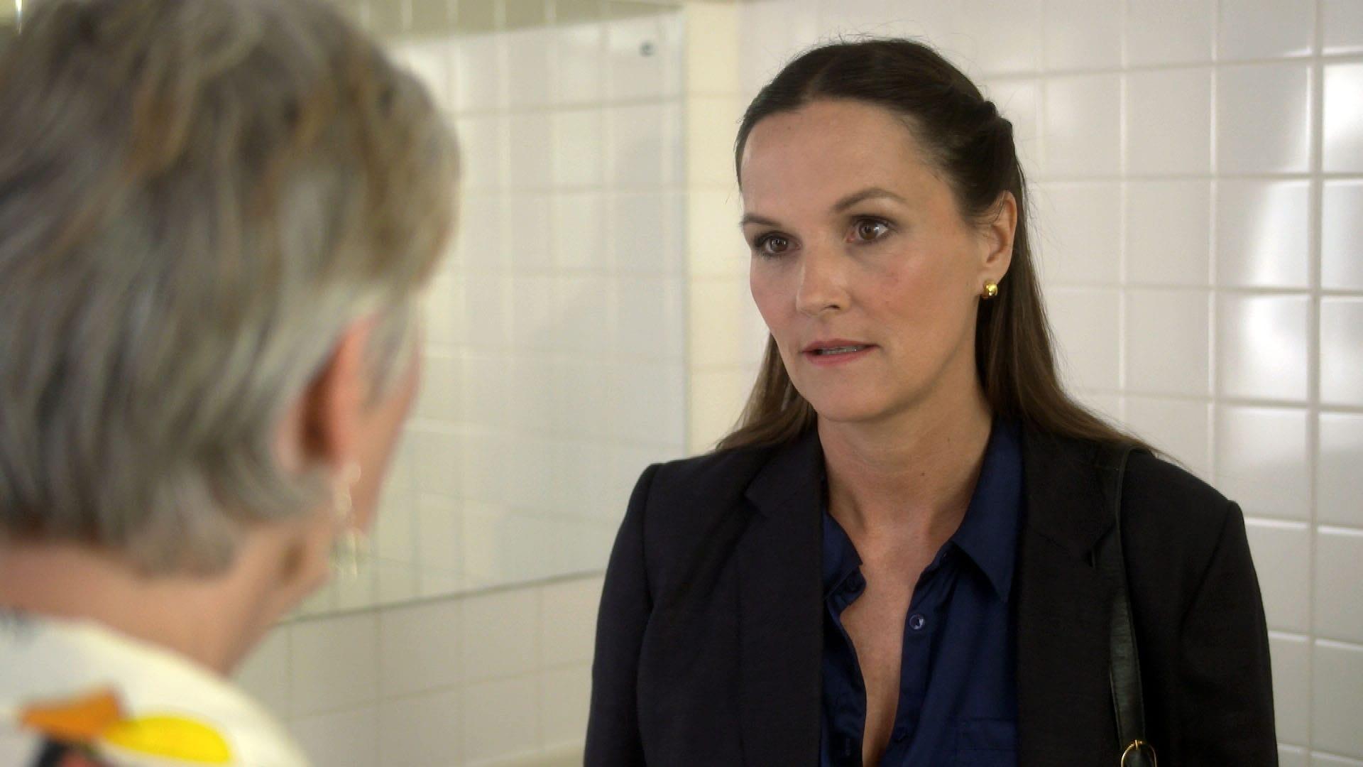 Doctors Season 18 :Episode 111  Catching Up