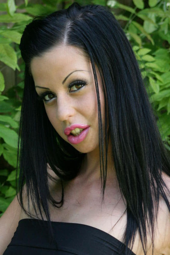 Intense double penetration is the best remedy for hungry Larissa Dee № 955659 без смс