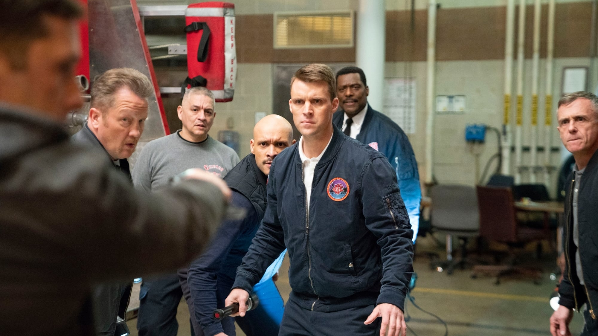 Chicago Fire Season 7 :Episode 19  Mitten im Sturm