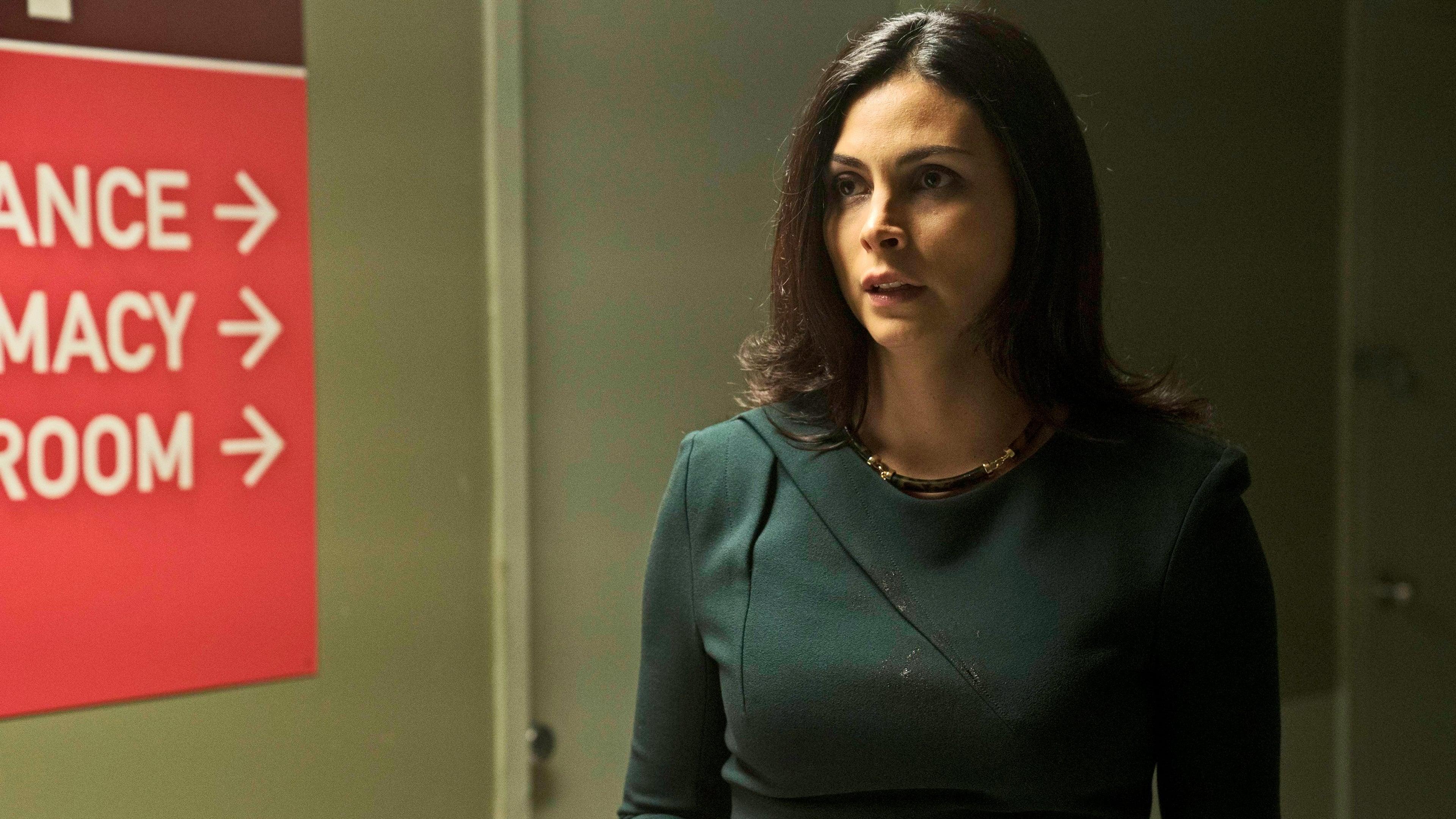 Gotham Season 3 :Episode 6  Mad City: Follow the White Rabbit