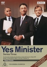 Yes Minister streaming vf poster