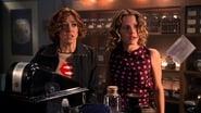 Buffy the Vampire Slayer Season 5 Episode 11 : Triangle