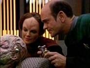 Star Trek: Voyager Season 2 Episode 19 : Lifesigns