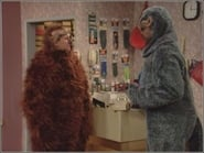 Married... with Children Season 9 Episode 20 : Something Larry This Way Comes