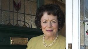 Alison Steadman's Little Cracker: The Autograph