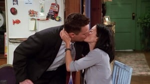 Friends Season 5 : The One with All the Kissing