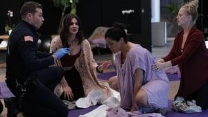 Episodio TV Online 9-1-1 HD Temporada 1 E7 Luna llena (de lo más espeluznante)