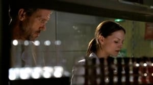 Seriale HD subtitrate in Romana Dr. House Sezonul 1 Episodul 7 Fidelity
