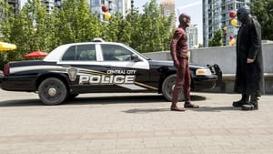 The Flash Season 2 : The Man Who Saved Central City
