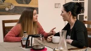 Odd Mom Out saison 2 episode 6