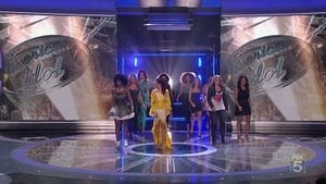 Top 12 Girls Perform