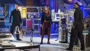 Captura de Supergirl 2×20